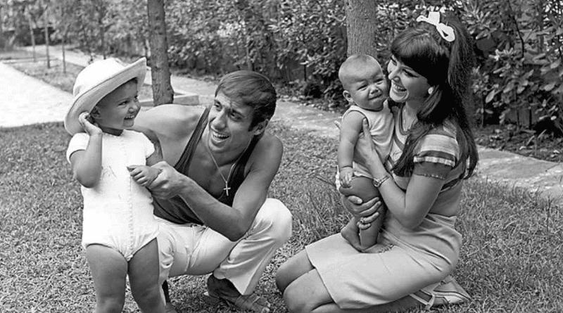 Адриано Челентано с женой и детьми
