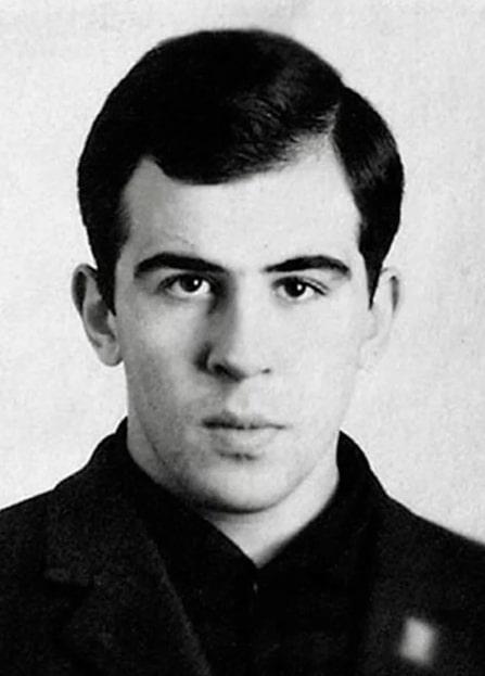 Сергей Лавров в юности