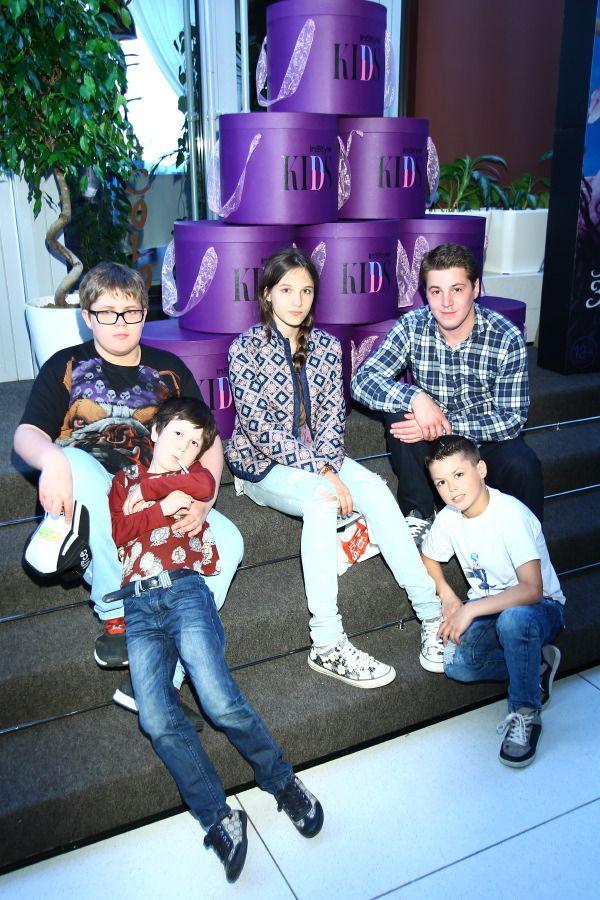 Гела Месхи с семьей