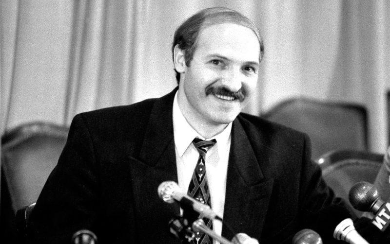 Александр Лукашенко на первой пресс-конференции в 1994