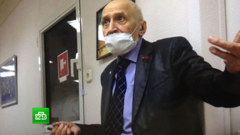 Николай Дроздов пришел в больницу к женщине которую сбил