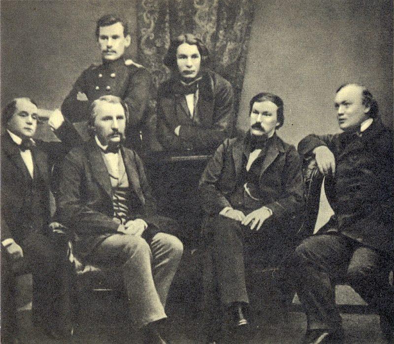 Лев Толстой в окружении коллег-литераторов в «Современнике»