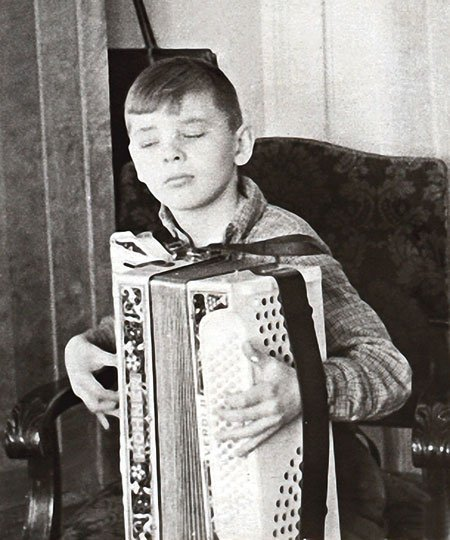 Юрий Антонов в детстве