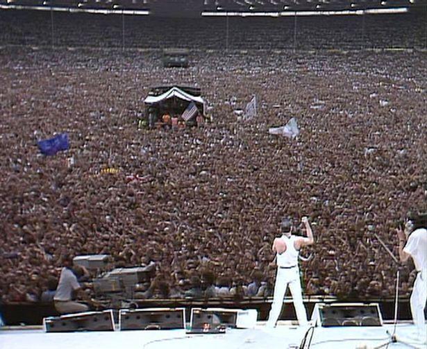 Фредди Меркури на стадионе «Уэмбли»