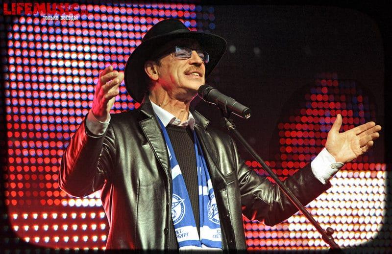 Михаил Боярский на концерте