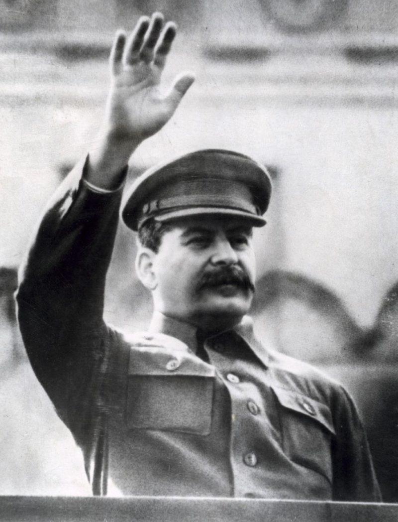 Иосиф Сталин в военные годы