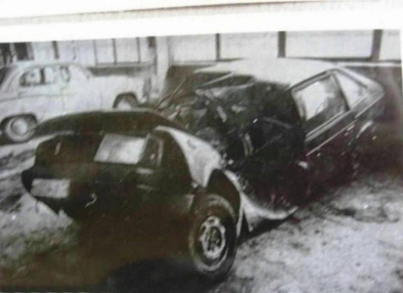 Машина Виктора Цоя после аварии