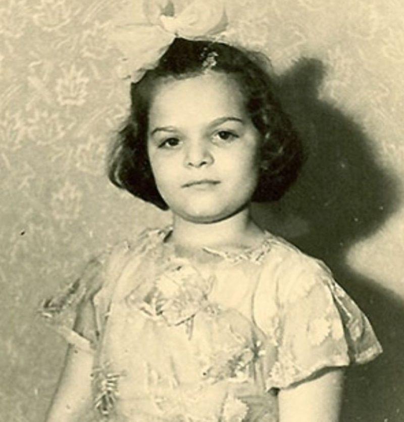 Лариса Долина в детстве