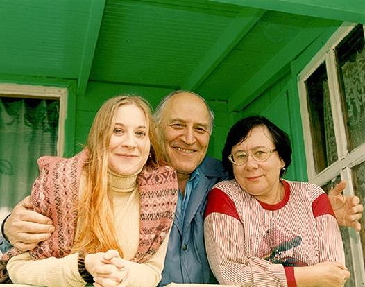 Николай Дроздов с женой и дочкой