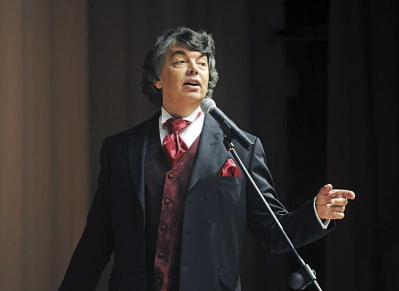Сергей Захаров на концерте