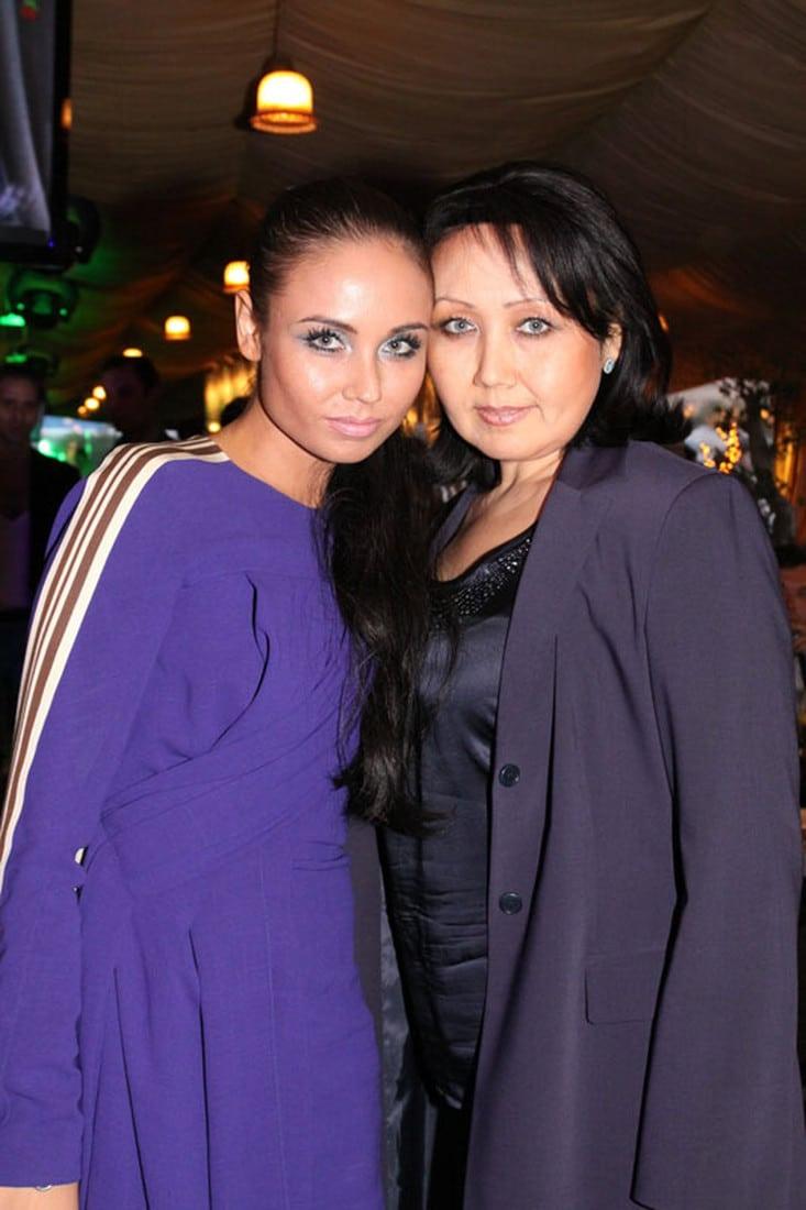 Ляйсан Утяшева с мамой