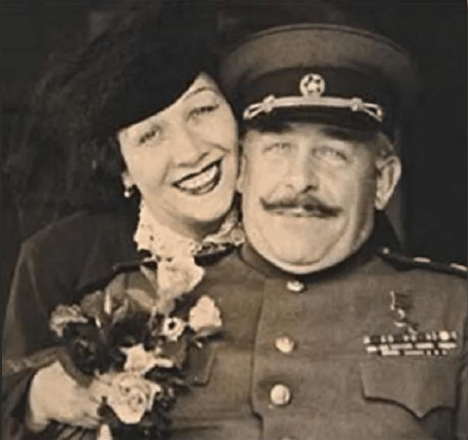Лидия Русланова с генералом Крюковым
