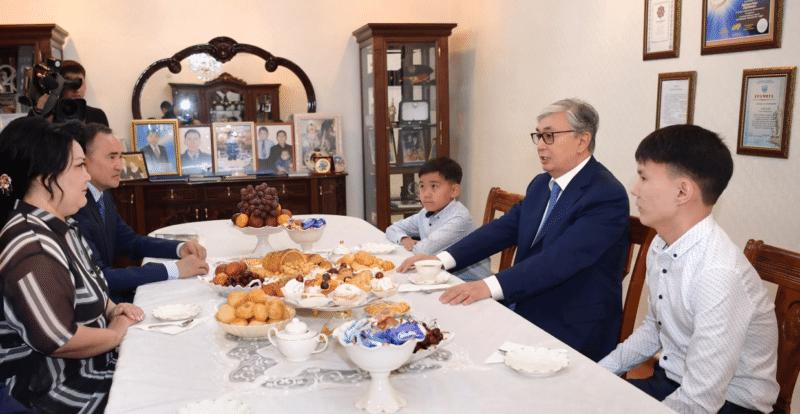 Токаев Касымжомарт с семьей