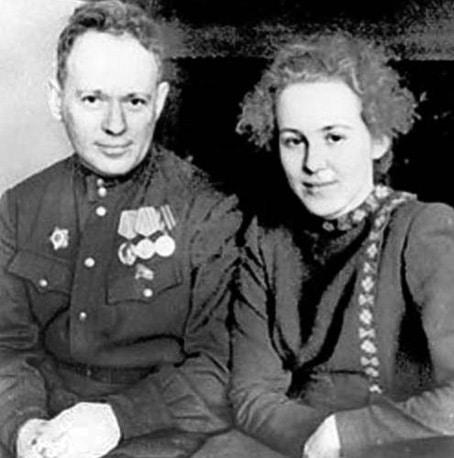 Михаил Шолохов с Марией Громославской