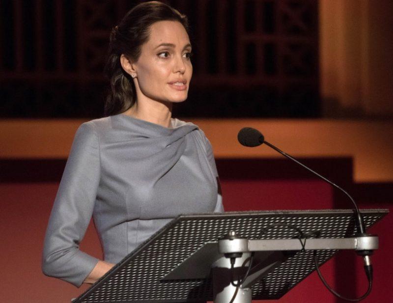 Анджелина Джоли в Лондонской школе экономики