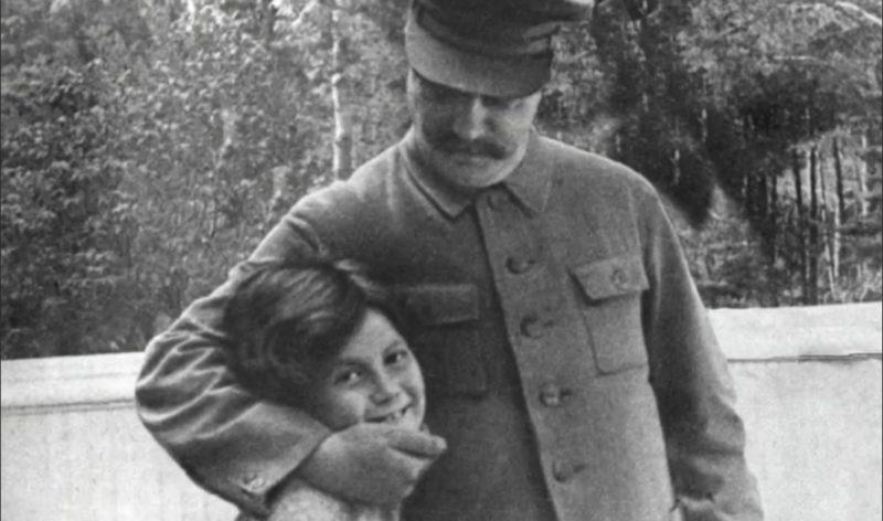 Маленький Василий Сталин с отцом Иосифом Сталиным
