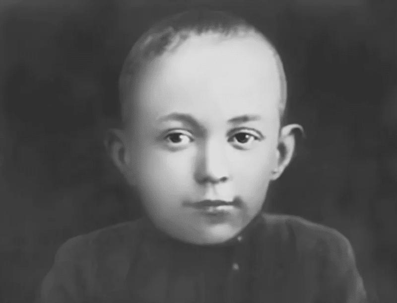 Михаил Шолохов в детстве
