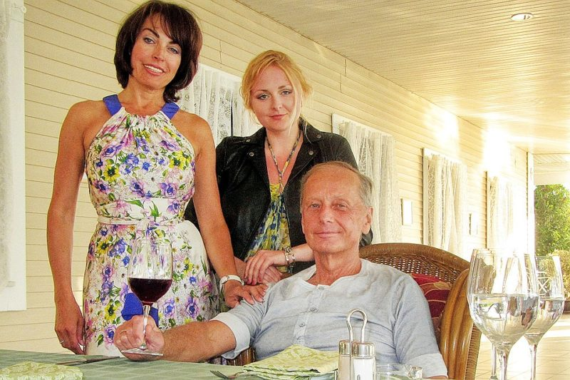 Михаил Задорнов с Еленой Бомбиной и дочерью