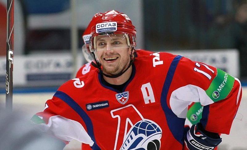 Хоккеист Иван Ткаченко
