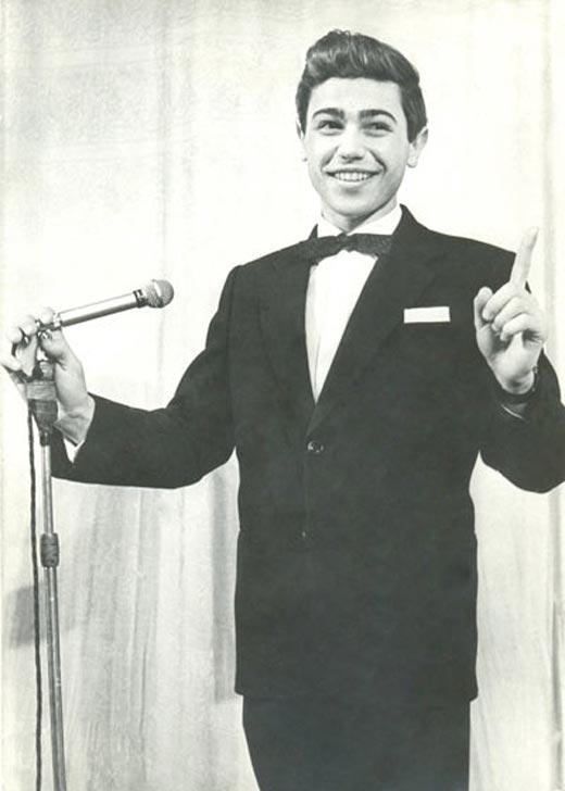 Евгений Петросян на сцене в молодости