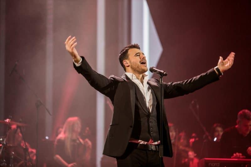 Эмин Агаларов на концерте