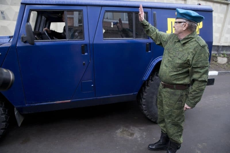 Владимир Жириновский отправляет на Украину свой «Тигр»