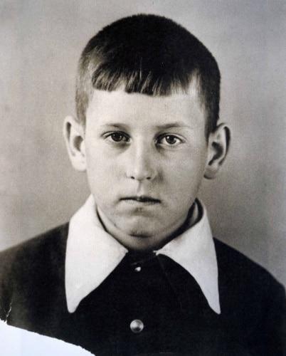 Андрей Вознесенский в детстве