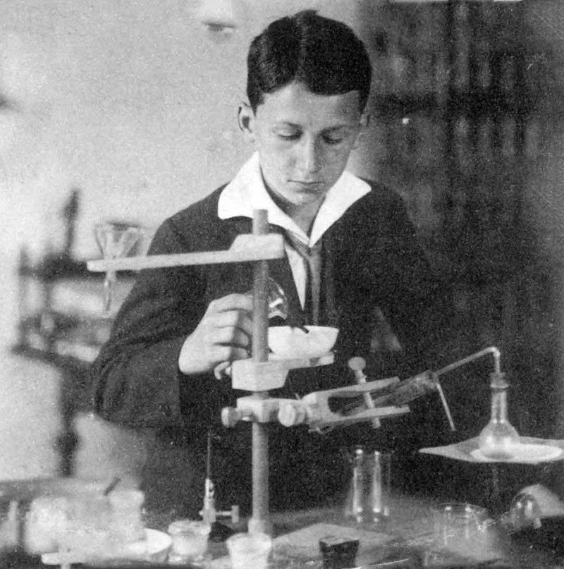 Никола Тесла в детстве