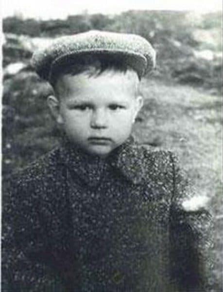 Александр Новиков в детстве