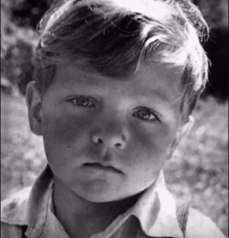 Александр Невзоров в детстве
