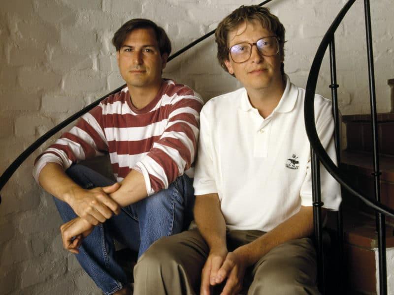 Молодые Билл Гейтс со Стивом Джобсом