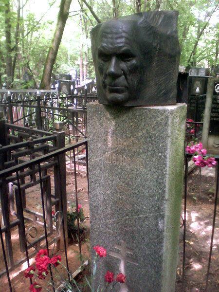 Могила и памятник Варламу Шаламову