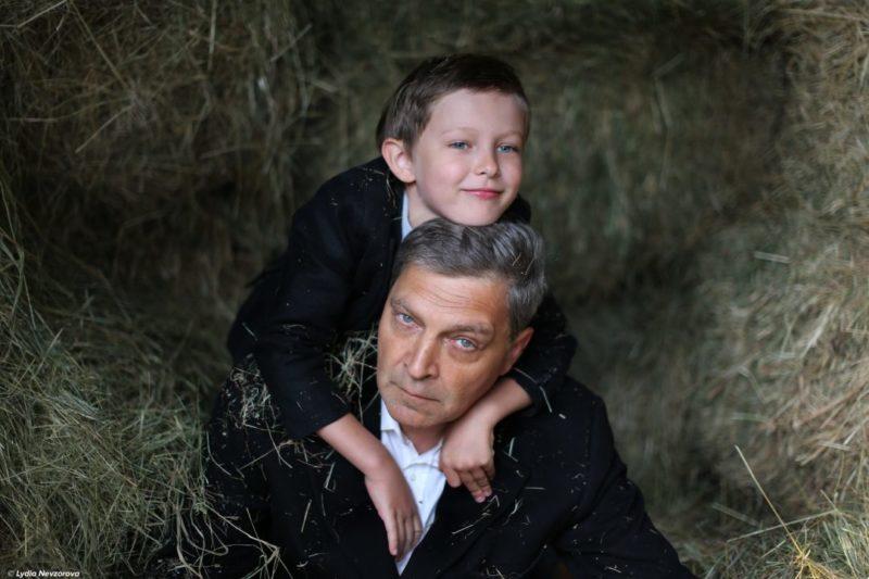 Александр Невзоров с сыном Сашей. Фото с сайта nevzorov.tv