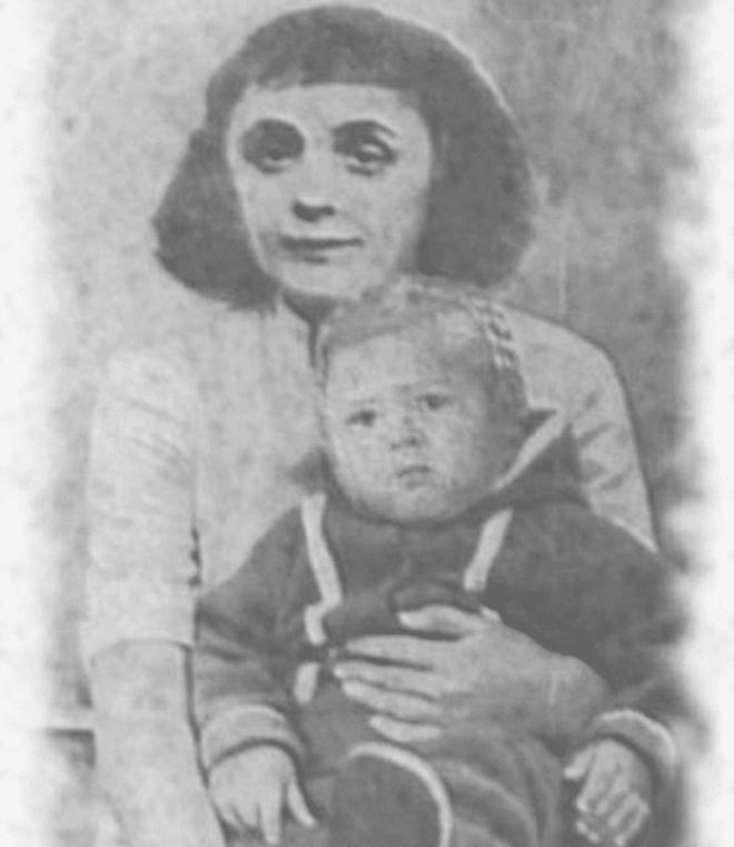 Эдит Пиаф в 17 лет с дочкой