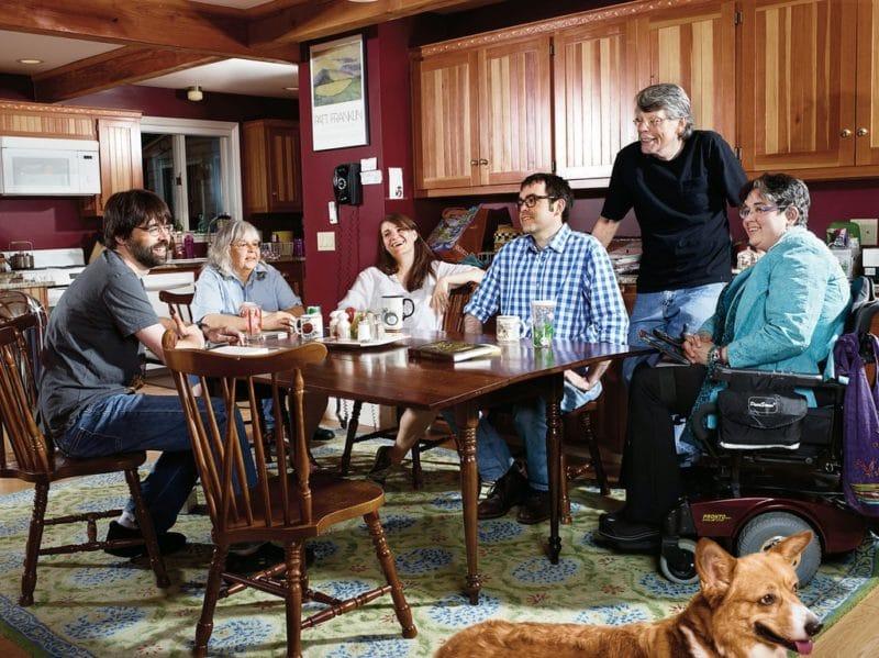 Стивен Кинг с семьей
