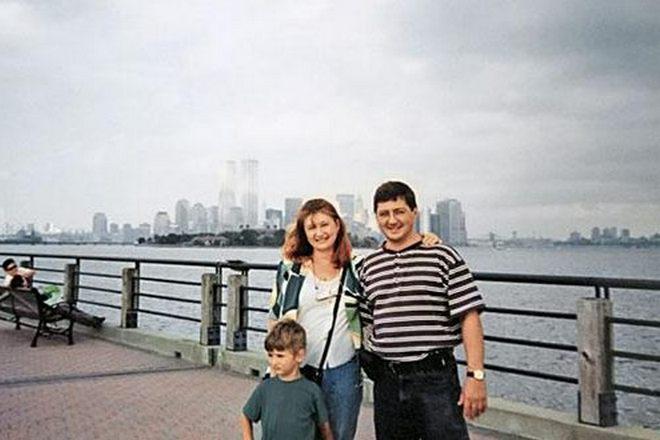 Александр Мясников с женой Натальей и сыном