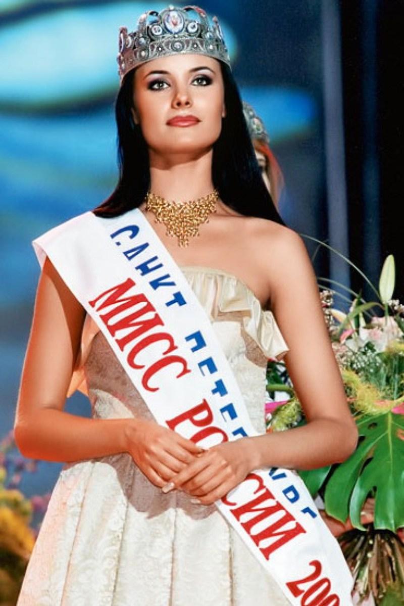Оксана Федорова в конкурсе «Мисс Россия» в 2001г