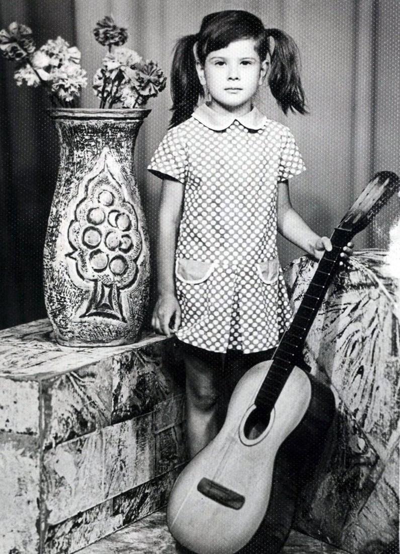 Юлия Высоцкая в детстве