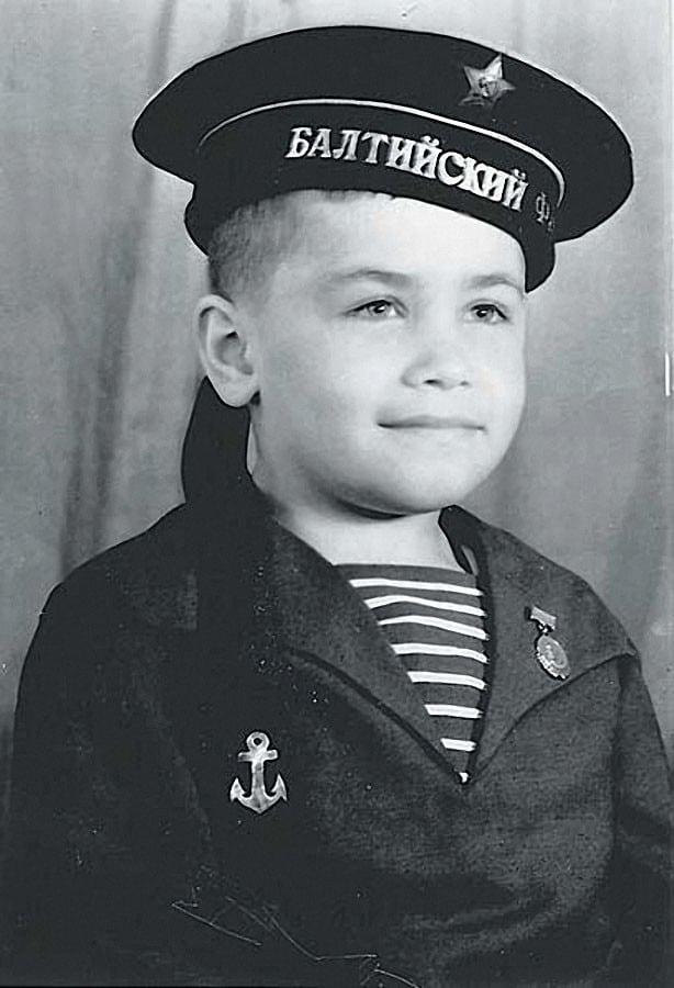 Николай Расторгуев в детстве