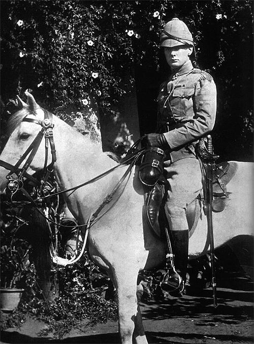 Военный Уинстон Черчилль