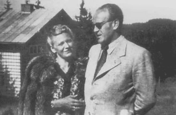 Оскар Шиндлер с Эмилии Пелцл