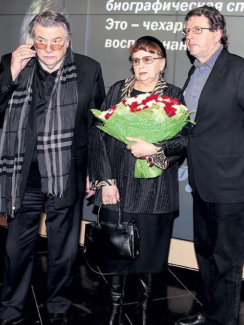 Александр Ширвиндт с женой и сыном