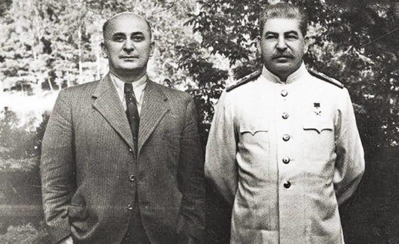 Лаврентий Берия со Сталиным