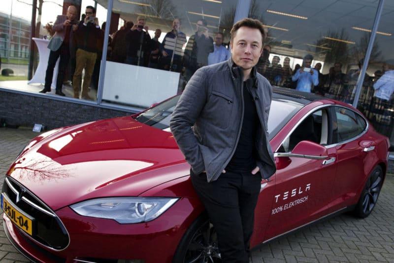 Илон Маск в компании «Tesla»