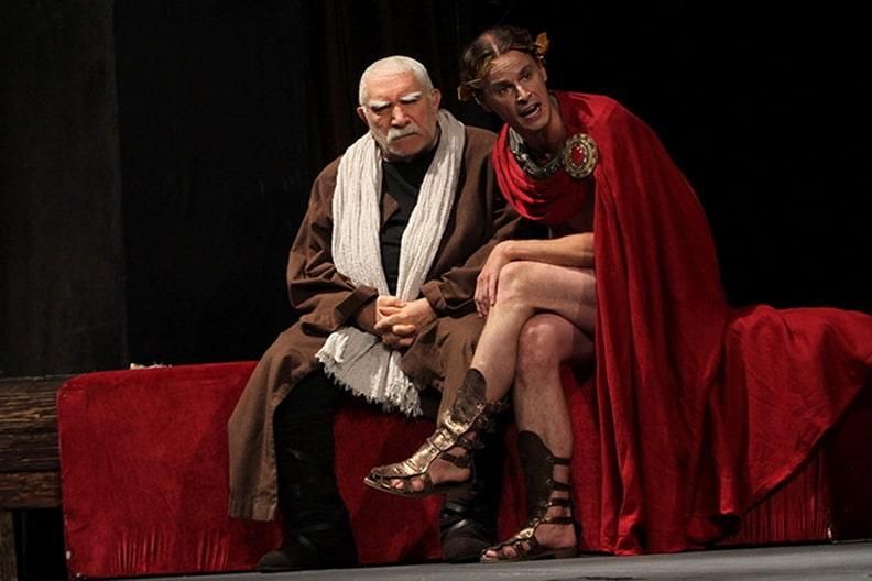 Армен Джигарханян в театре