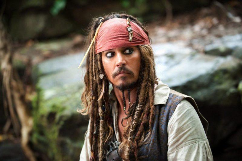 Джонни Депп в фильме «Пираты Карибского моря: проклятие Черной жемчужины»