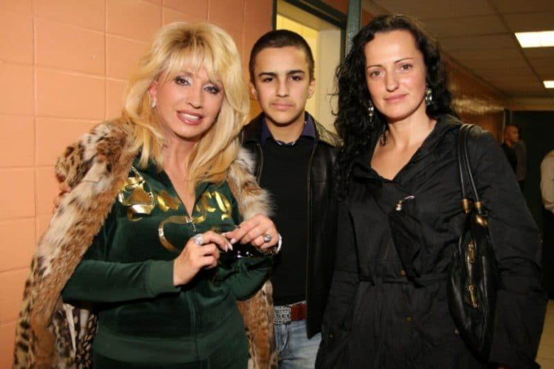 Ирина Аллегрова с семьей