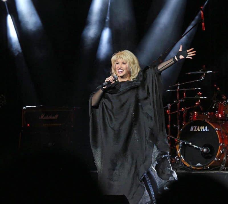 Ирина Аллегрова на концерте