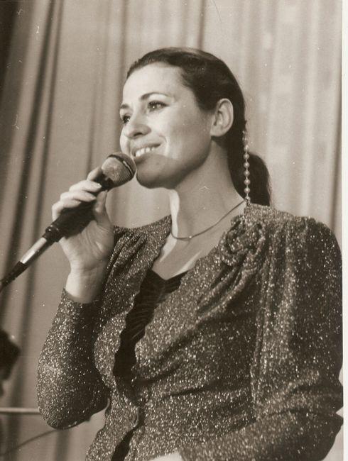 Валентина Толкунова на концерте