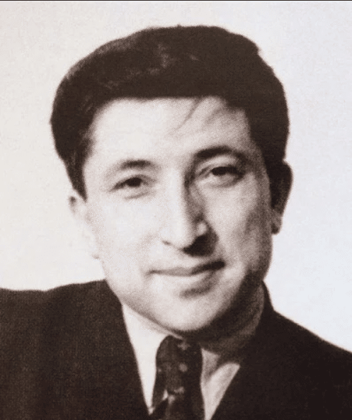 Расул Гамзатов в молодости